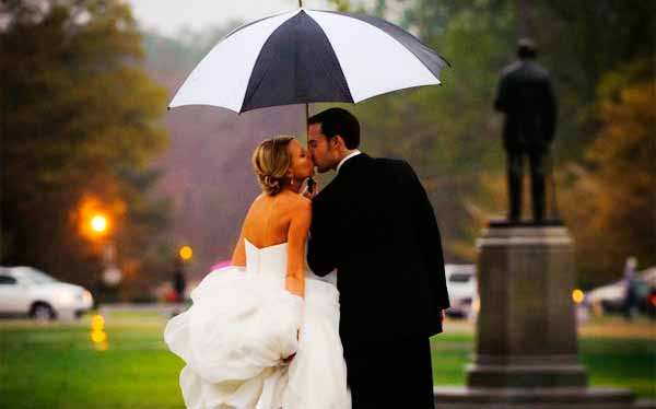 wedding-kiss-1